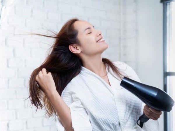 युक्तियाँ घर पर स्वाभाविक रूप से बालों के लिए चमक को बहाल करने के लिए