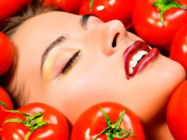 DIY paradajkový cukrový peeling pre okamžitú žiaru