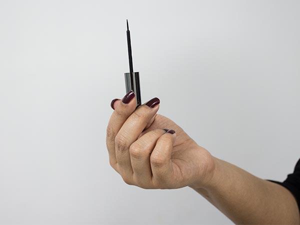 Product Of The Day: Kajian Lakme Absolute Shine Line Liquid Eyeliner