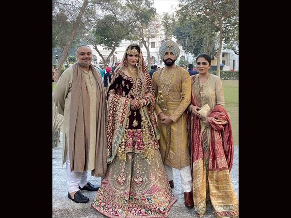 Gurdas Maan fia, Gurickk Maan és Simran Kaur Mundi, gyönyörű ruhák díszítik esküvőjüket