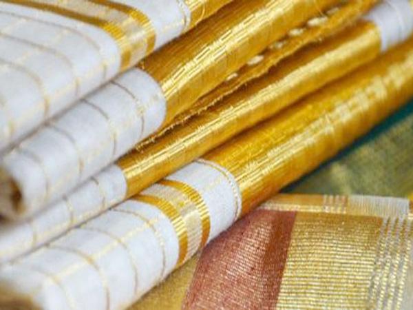 Los Ntawm Keeb Kwm Los Ua Kom Tau Nws, Txhua Yam Qhia Txog Cov Tsoos Hnav Ntawm Kerala, Kasavu Sarees