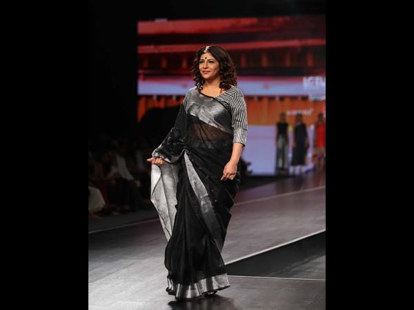 LMIFWSS20: Η Shazia Ilmi Stuns in A Sari καθώς κοσμεί τη ράμπα στην εβδομάδα μόδας της Ινδίας
