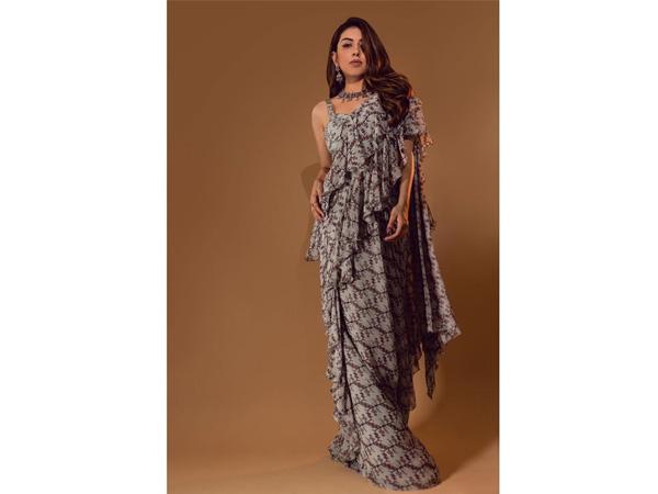 Hansika Motwani s svojo sodobno ruffled sari dvigne svojo tradicionalno garderobo