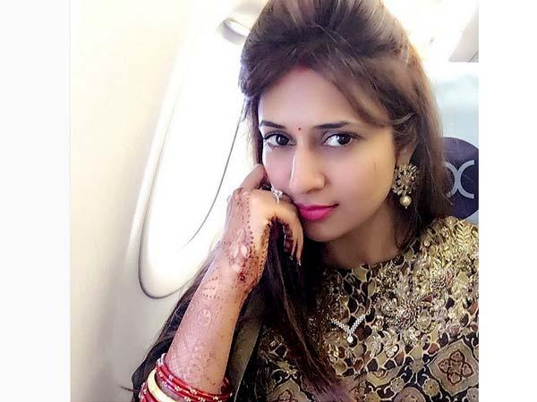 မင်္ဂလာဆောင်ကြည့်ပြီးနောက် Divyanka Tripathi ၏ကြည့်ရှုရန်သင်တွေ့ပြီ