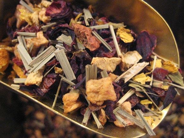 10 खाद्य पदार्थ जो गले में खराश का इलाज कर सकते हैं