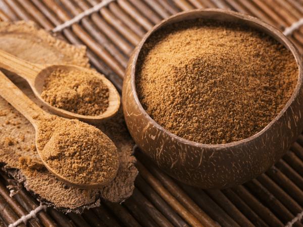 नारियल चीनी क्या है? नारियल चीनी के 10 स्वास्थ्य लाभ