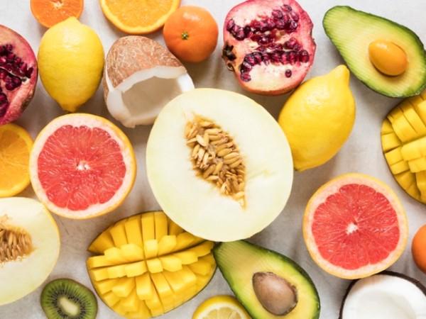 11 remèdes maison pour réduire rapidement la chaleur corporelle: de l'eau de coco au yoga