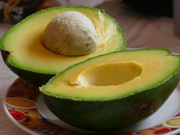 З'їжте ці 7 фруктів і отримайте плоский животик за місяць!