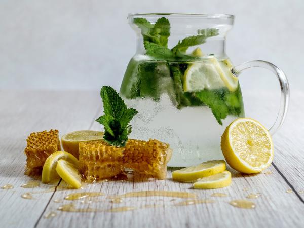 8 Faedah Kesihatan Minum Madu & Air Lemon