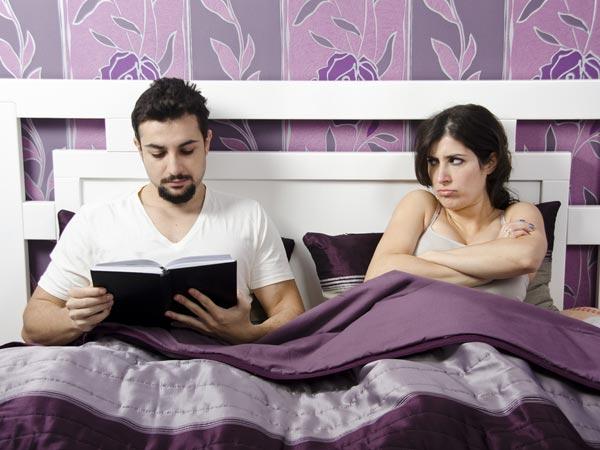 अपनी प्रेमिका को ईर्ष्या करने के 5 तरीके