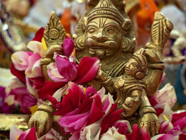 Mantas Narasimha Pikeun Nyanyi Dina Narasimha Jayanti