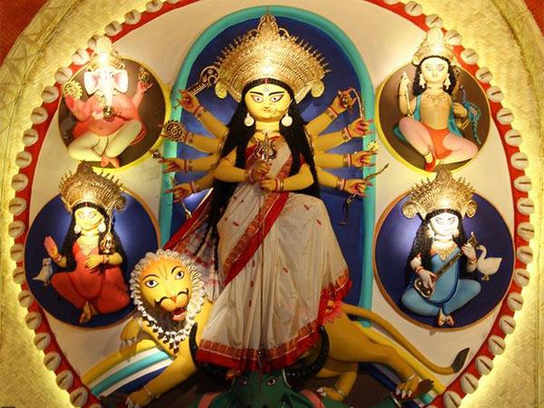 Durga Puja 2019: 9 намуди бутҳои Дурга, ки шумо бояд бубинед