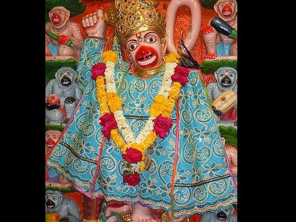 ¿Está casado Lord Hanuman ou é licenciado?