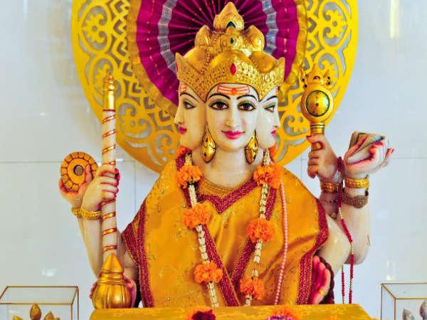 Mitološki razlogi, zakaj Brahme ne častijo